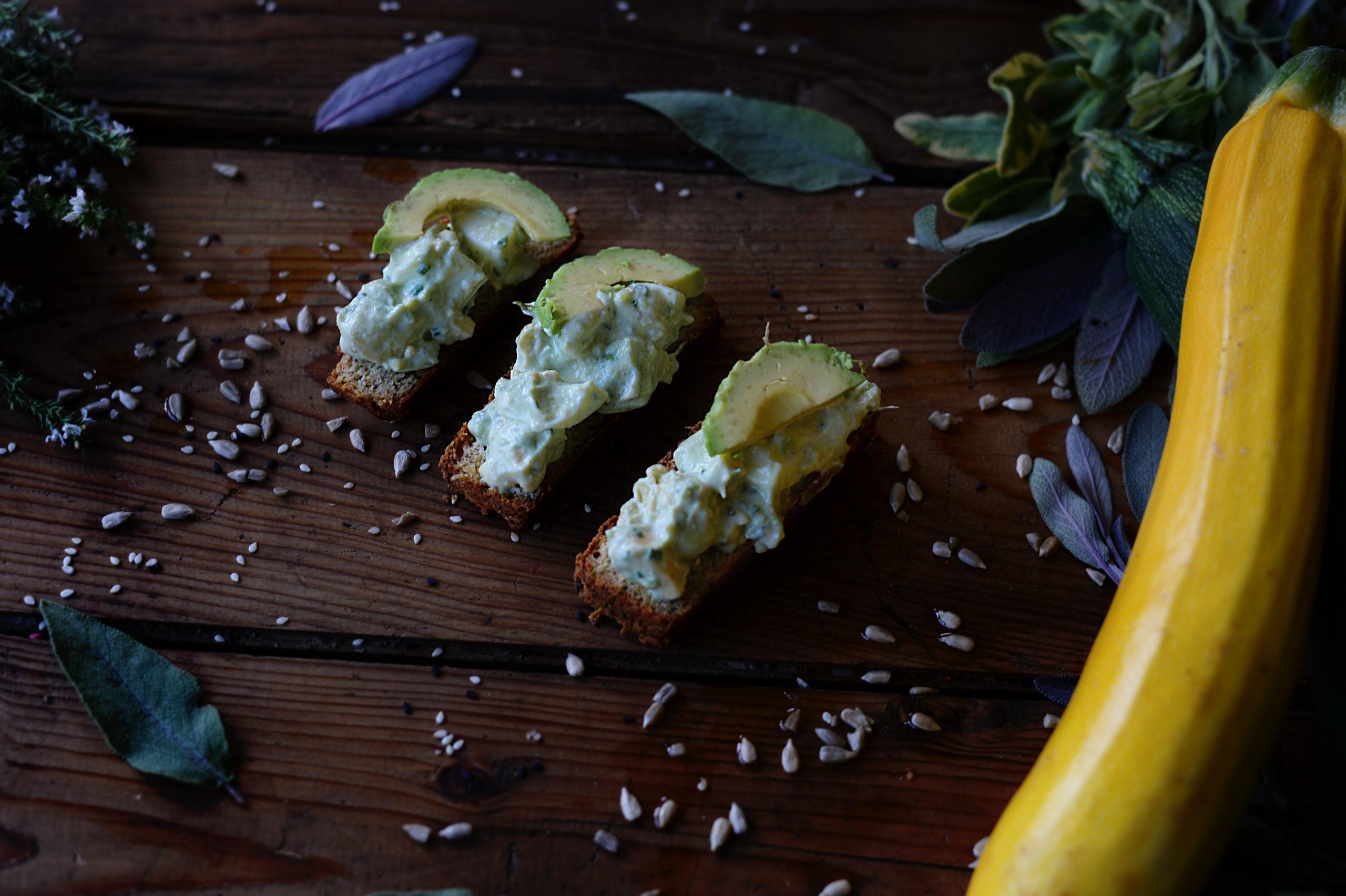 Avokádovo-vajíčkový salát